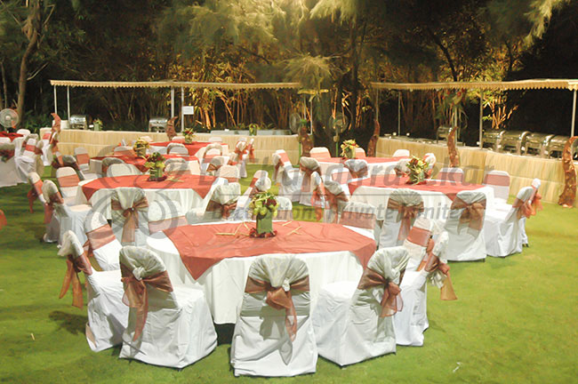 Wedding decorators in chennai best mandapam stage flower decors elegant round party table with centerpiece flower decoration for wedding and other events junglespirit Choice Image